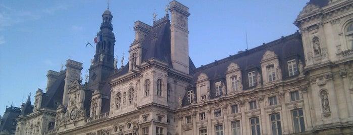 Hôtel de Ville de Paris is one of Paris Places To Visit.