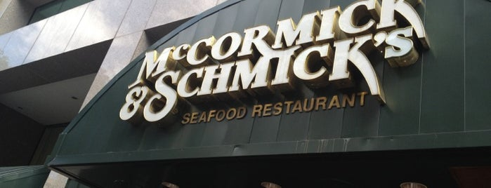 McCormick & Schmick's Seafood Restaurant is one of District of Oysters.