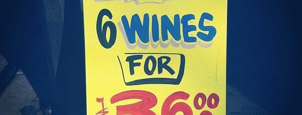 1st Grand Avenue Liquors is one of Lieux qui ont plu à Jordan.