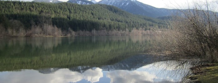 Rattlesnake Lake is one of Where I want to travel.