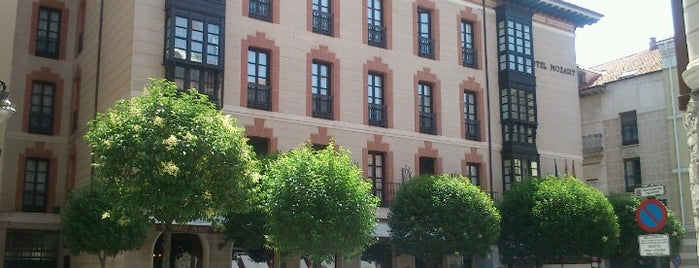 Hotel Mozart is one of Valladolid.