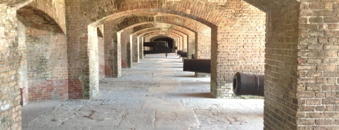 Fort Zachary Taylor Historic State Park is one of Lieux qui ont plu à Brian.