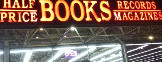 Half Price Books is one of Locais curtidos por Dallin.