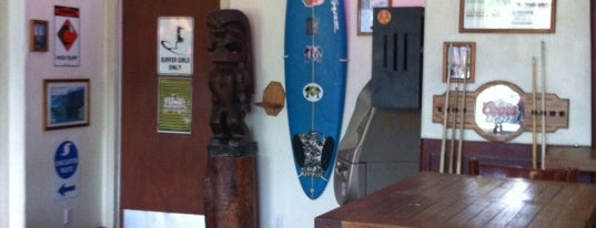 Oceans Sports Bar & Grill is one of Enjoy the Big Island like a local.