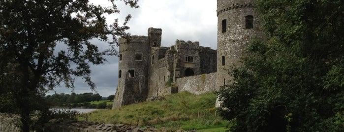 Carew Castle is one of Tempat yang Disimpan Tobias.