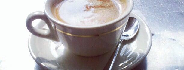 Deja-Vu Café is one of Posti che sono piaciuti a Vale.