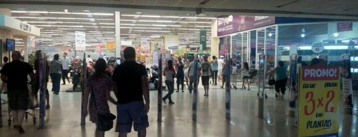 Carrefour is one of Orte, die Mario gefallen.
