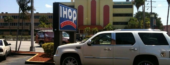 IHOP is one of Tempat yang Disukai Hanna.