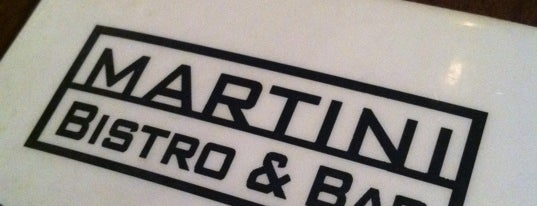 Martini Bar & Bistro is one of Gespeicherte Orte von Lizzie.