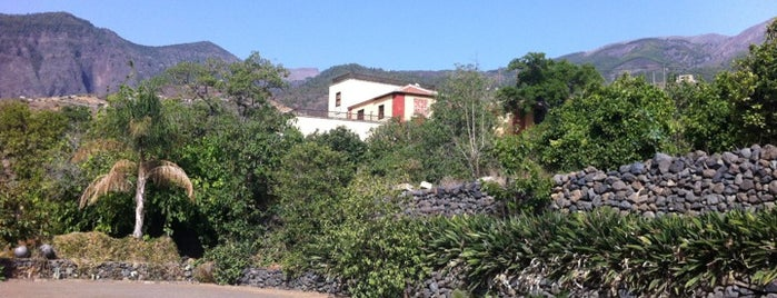 Hotel Rural Finca La Raya is one of Tenerife: restaurantes y guachinches..
