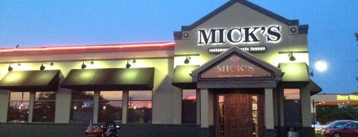 Mick's Restaurant & Sports Lounge is one of Ryan'ın Beğendiği Mekanlar.