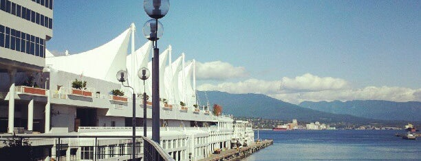 The Fairmont Waterfront is one of Hotéis favoritos.