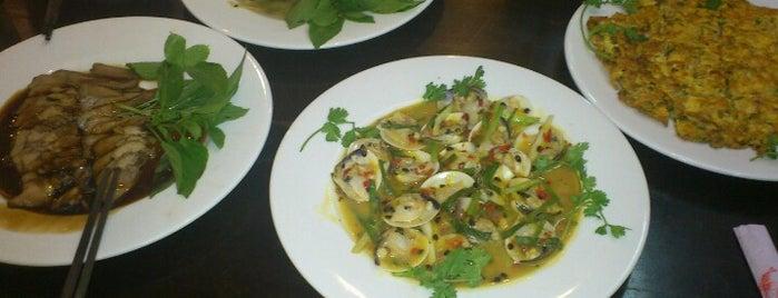 Chi Nghia (papaya) Restaurant is one of สถานที่ที่ Matt ถูกใจ.