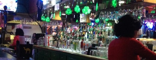 Shamrock Club is one of Chicago Taverns.