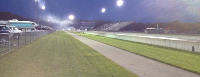 US 131 Motorsports Park is one of Lugares favoritos de Kyle.