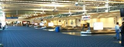 롱아일랜드 맥아더 공항 (ISP) is one of US Airports.