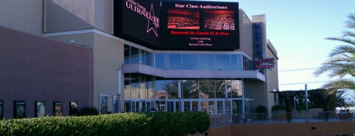 UltraLuxe Anaheim Cinemas at GardenWalk is one of ☆ La la laさんの保存済みスポット.