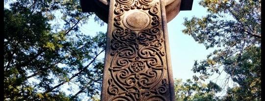 Mt. Hope Cemetery is one of Tempat yang Disukai Laurel.