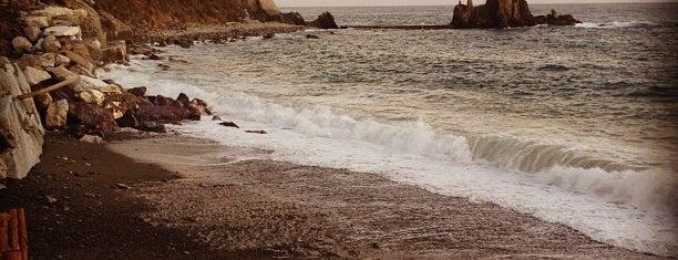 Spiaggia di Renà is one of √ Best Free-Beaches in Liguria.