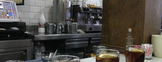 Bar La Ribera is one of Posti che sono piaciuti a Amalioft.