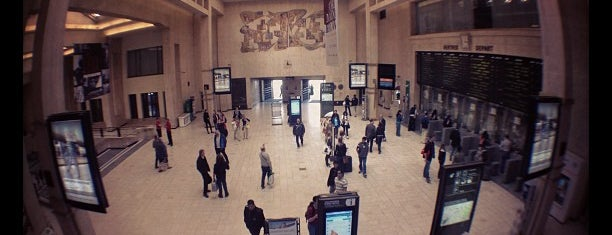 Centraal Station / Gare Centrale (MIVB / STIB) is one of Lugares favoritos de Aptraveler.