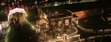 Overlys Country Christmas.Overly S Christmas Village