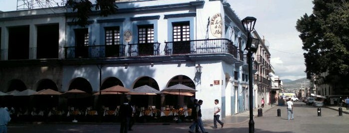La Casa de la Abuela is one of Locais salvos de Esmeralda.