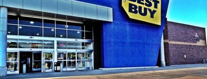 Best Buy is one of Lieux qui ont plu à Micah.