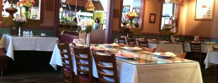 Top Thai Restaurant is one of Lugares de 10.