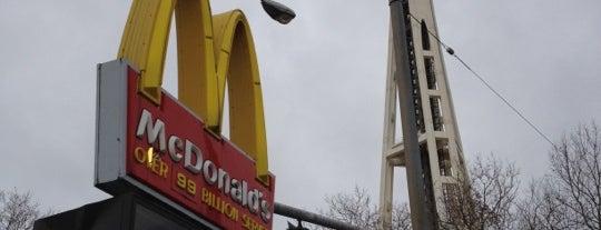 McDonald's is one of Orte, die Drew gefallen.