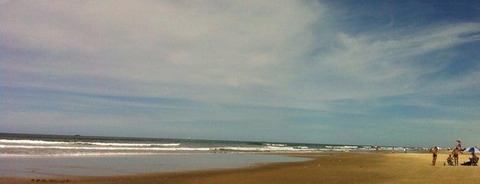 Praia de Santa Terezinha is one of Laila : понравившиеся места.