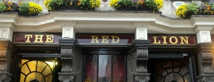 The Red Lion is one of Lugares favoritos de Kristof.