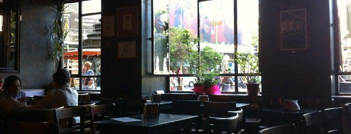 Café Comercial is one of Bares que probar.