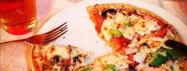 Blue Moose Pizza is one of Lieux qui ont plu à Chris.