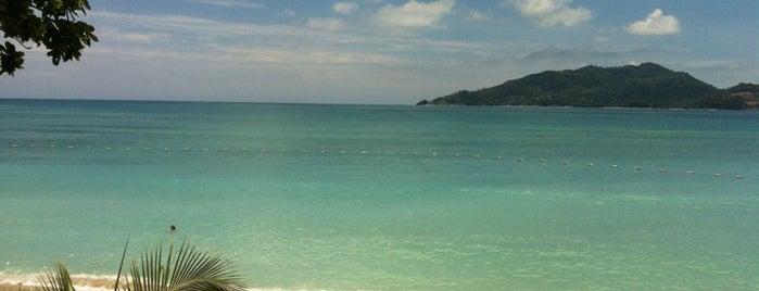 Tritrang Beach Resort @ Patong Phuket (ไตรตรังบีชรีสอร์ท) is one of Locais salvos de Anya.