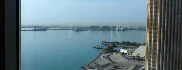 Mövenpick Tower & Suites Doha is one of Posti che sono piaciuti a Hamad.
