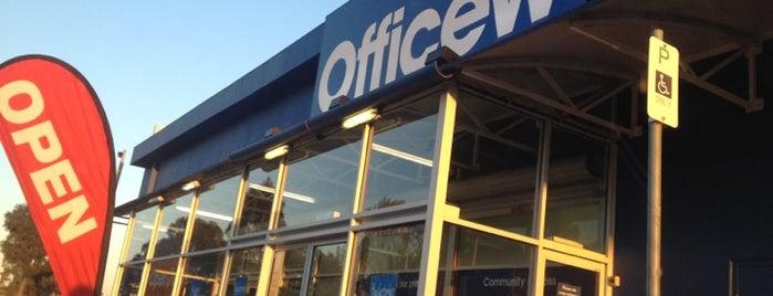 Officeworks is one of Locais curtidos por Alex.