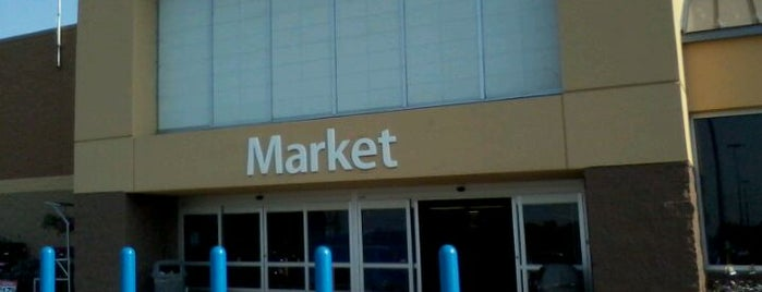 Walmart Supercenter is one of Georgeさんのお気に入りスポット.