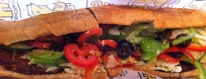 Which Wich? Superior Sandwiches is one of Divya 님이 좋아한 장소.