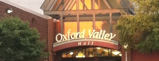 Oxford Valley Mall is one of Posti che sono piaciuti a Daniel.