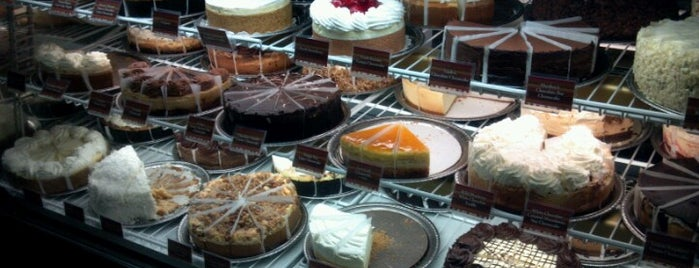 The Cheesecake Factory is one of Tempat yang Disukai Marko.