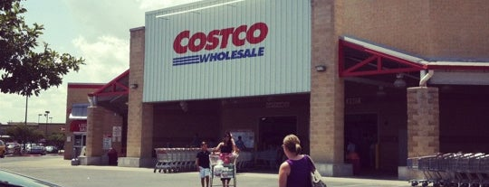 Costco is one of Orte, die Kim gefallen.