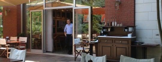 Mezzaluna is one of İstanbul'daki İtalyan Restorantları.