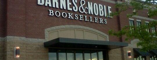 Barnes & Noble is one of Mark : понравившиеся места.