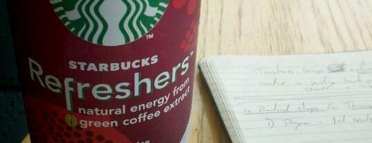 Starbucks is one of Tempat yang Disukai Holly.
