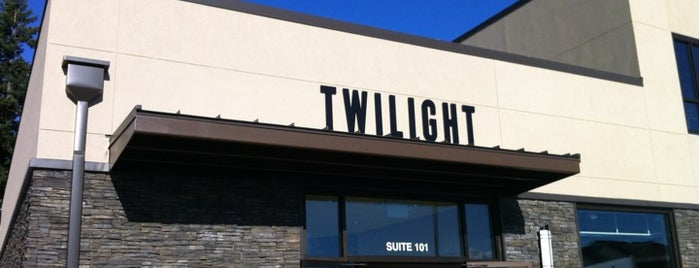 Twilight Pizza Bistro is one of Tempat yang Disukai Rod.