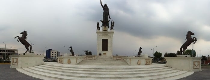Explanada Bicentenario is one of Lugares favoritos de Manuel.