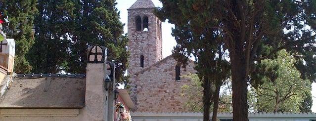 Cementiri La Romànica is one of Barthelona.