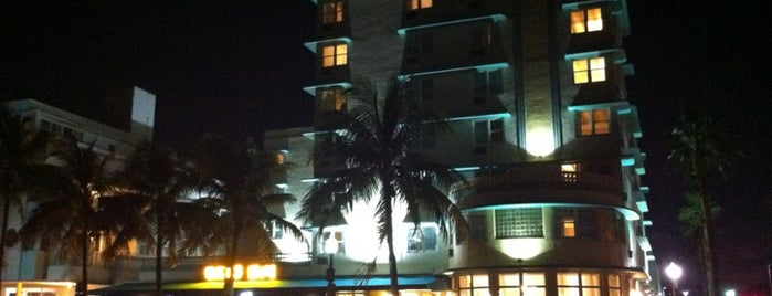 Days Inn & Suites Miami/North Beach Oceanfront is one of Priscilaさんの保存済みスポット.
