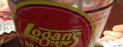 Logan's Roadhouse is one of สถานที่ที่ ESTHER ถูกใจ.